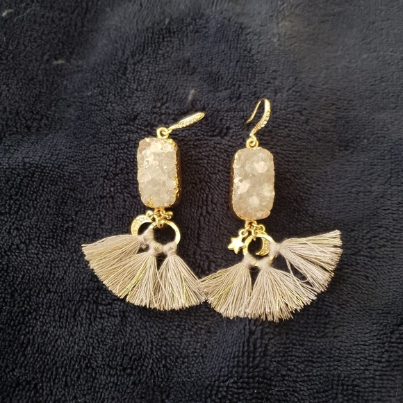 Chloe + Isabel Jewelry - Quartz Earrings